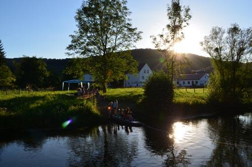 Spielen in der Prüm - Camping Südeifel